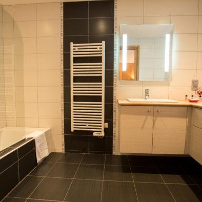 Ecureuil - salle de bain chambre matrimoniale bas