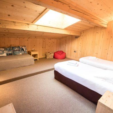 Bouquetin - chambre à l'étage 3 lits